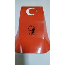 Atatürk ve Bayraklı Şapka